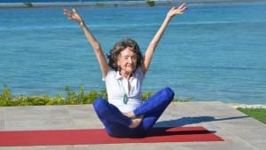 160715_vod_orig_elderly_yoga_16x9_992